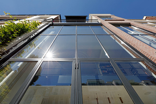 glazings with ultra slim facing widths, for facades