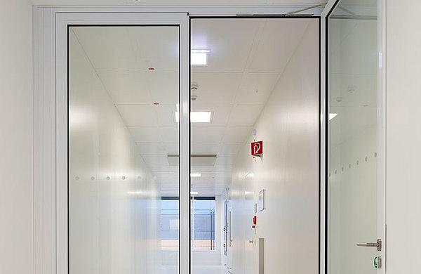 verglaste Brandschutztür aus Stahl, forster fuego light Technikum für Mikrotechnologien (Technische Universität) Dresden