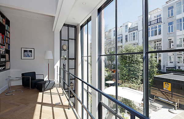 schlankste Verglasungen und Fenster, ideal für die Sanierung von histroischen Gebäuden