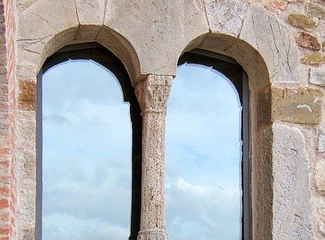 Windows without thermal insulation from forster presto Castle in Civitella dei Conti IT-San Venanzo
