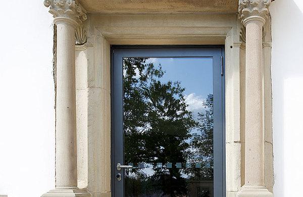 Glazed steel door in steel with thermal break. System: forster unico Castle Greckenschloss, Germany