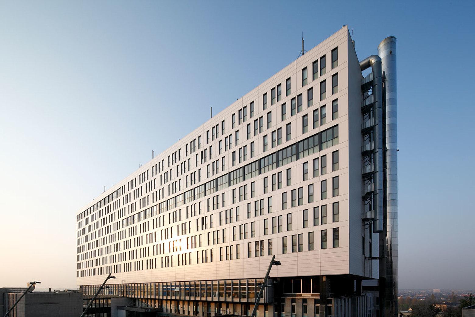 Wärmegedämmte Fenster und Verglasungen mit einer Höhe bis 2.7 m, forster unico Interkommunales Spital, Villeneuve-Saint-George