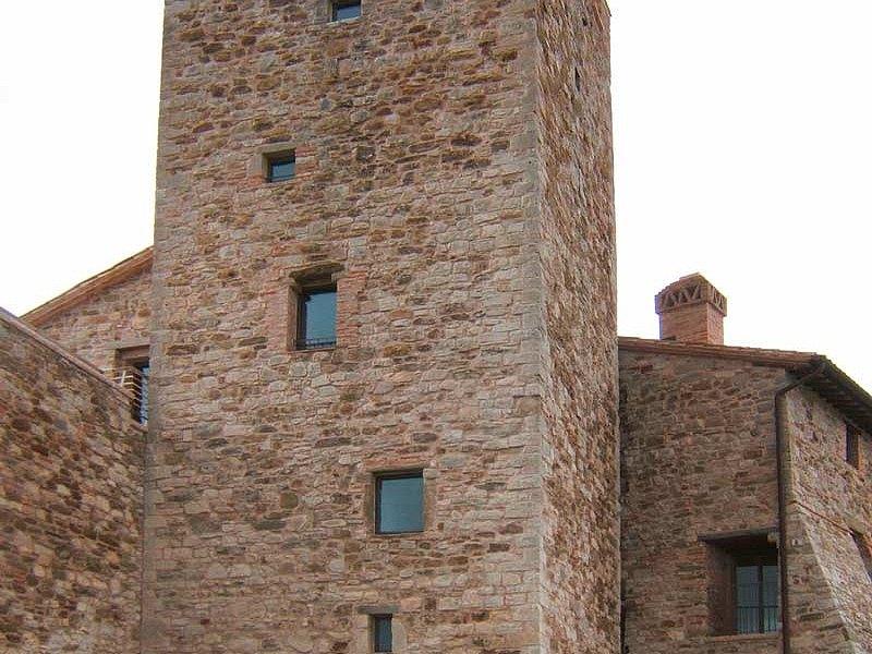 Stahltüren und Stahlfenster ohne Wärmedämmung, forster presto Schloss in Civitella dei Conti IT-San Venanzo