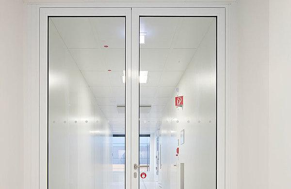 verglaste Brandschutztür T30 aus Stahl, forster fuego light Technikum für Mikrotechnologien (Technische Universität) Dresden