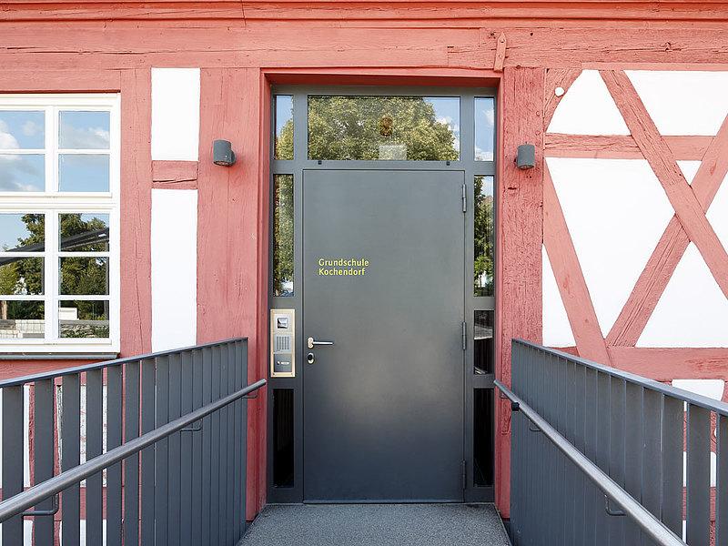 flächenbündig verblechte Eingangstür, forster unico