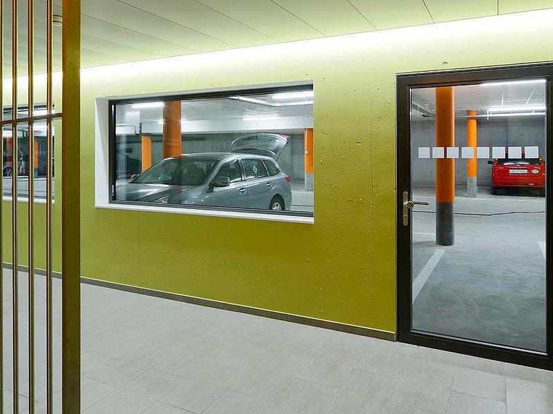 porte vitrée et vitrage coupe-feu EI30, forster fuego light. Immeuble d'habitation et de commerce Krone, Suisse