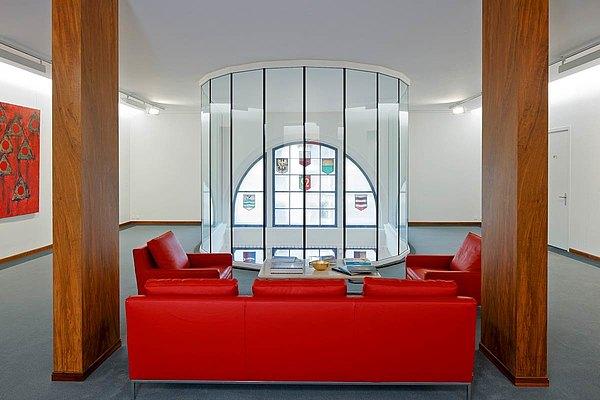 Brandschutzverglasung Glas-Glas-Stoss EI30 im Halbkreis angeordnet, forster fuego light Bank Cantonale Vaudoise, Lausanne