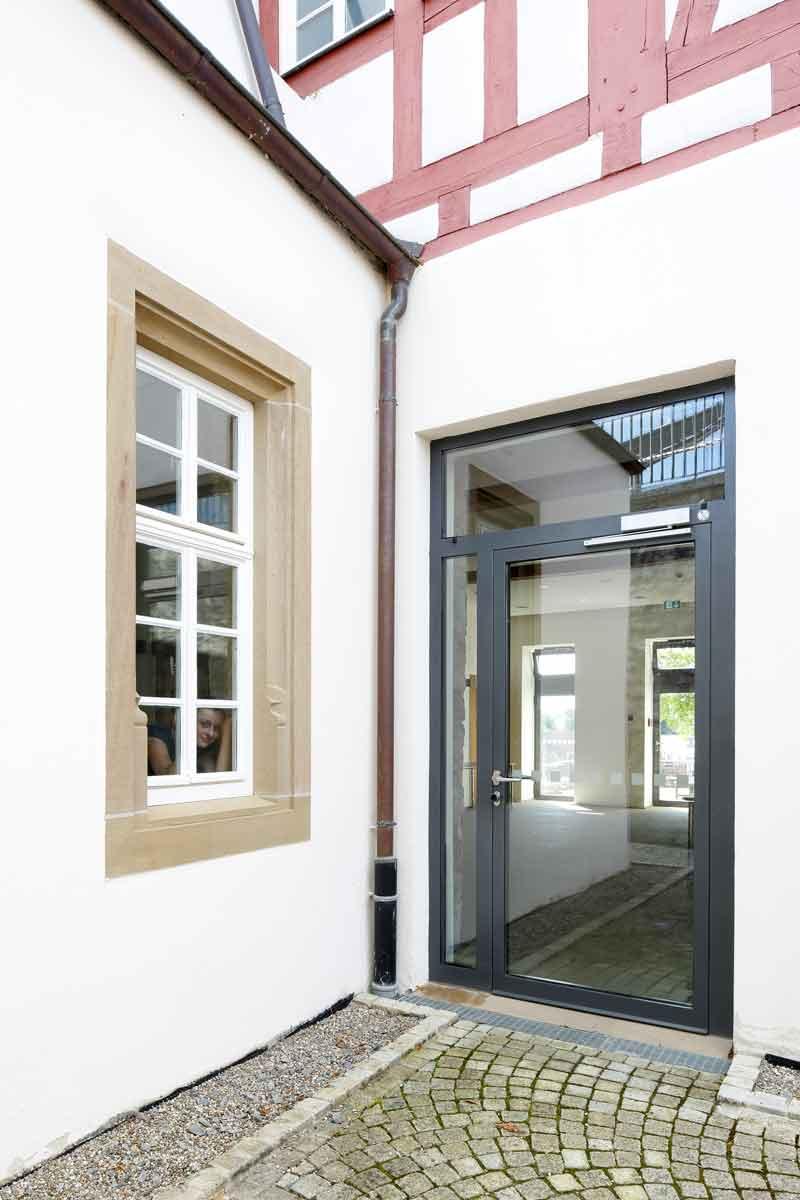 entrance door with thermal break. Black Bedroom Furniture Sets. Home Design Ideas